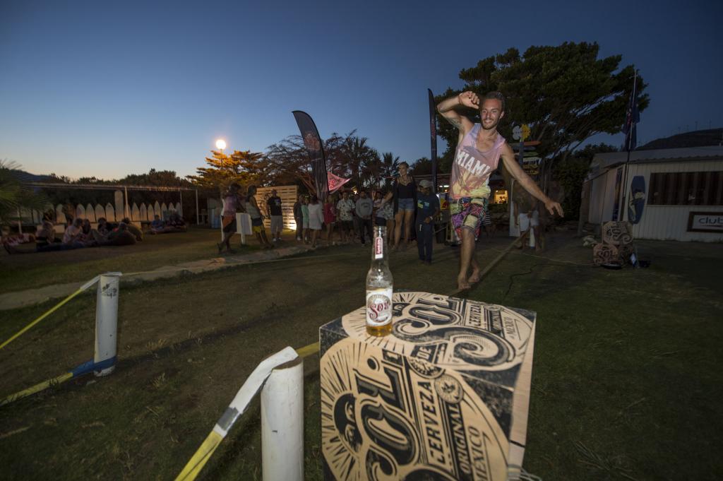 Tarifa strapless kitesurfing pro