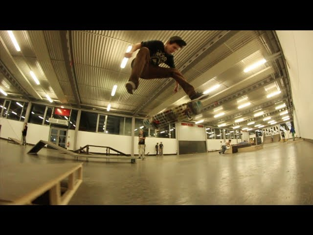 PERFECT TRE TRIPLE FLIP - JONNY GIGER