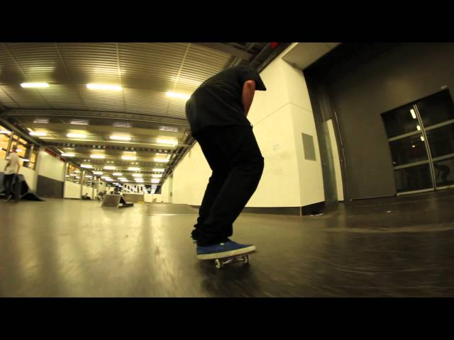 Bs 180 Late backfoot double flip - Jonny Giger