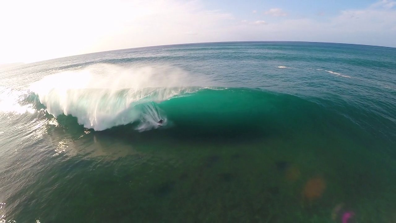 Quadcopter POV Kelly Slater's Winning Wave @Pipe