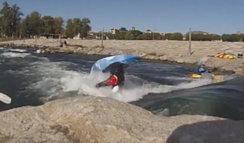 Freestyle kayaking at Millau - France