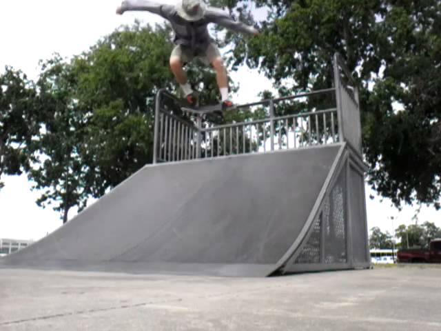 nollie bigspin late flip nosebllunt stall