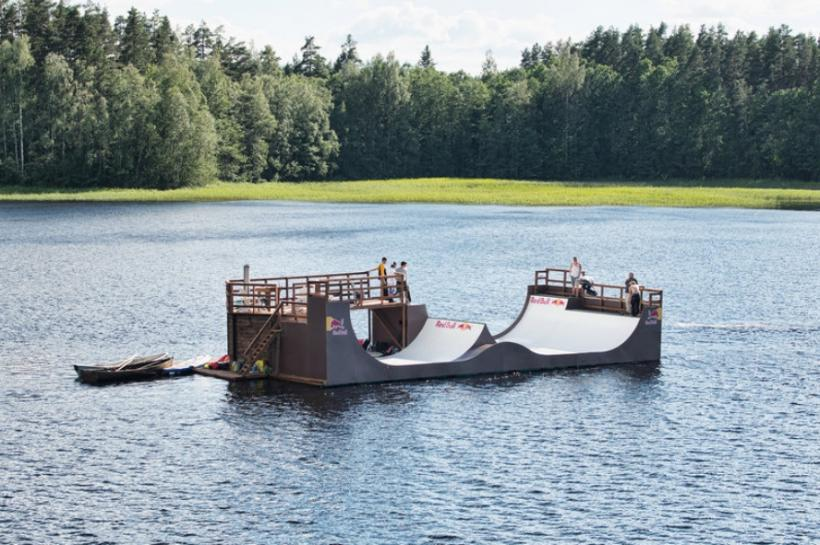 Floating Miniramp with Sauna in Finland