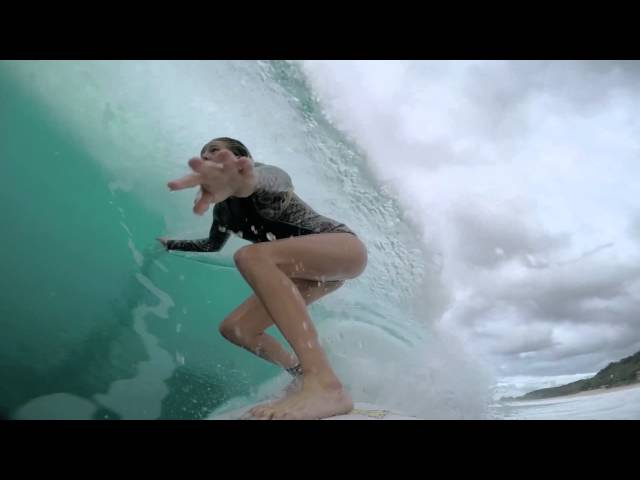 Laura Enever's Perfect Barrel at Honolua Bay