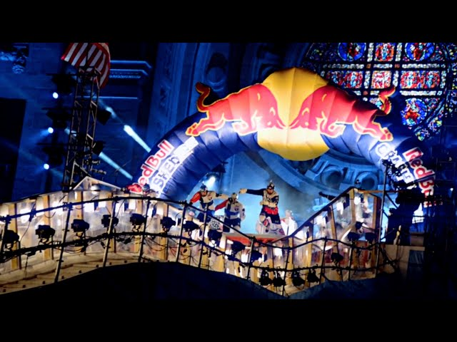Ice Cross Downhill - Red Bull Crashed Ice
