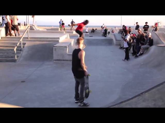 Justin Bieber attempts treflip gets comped