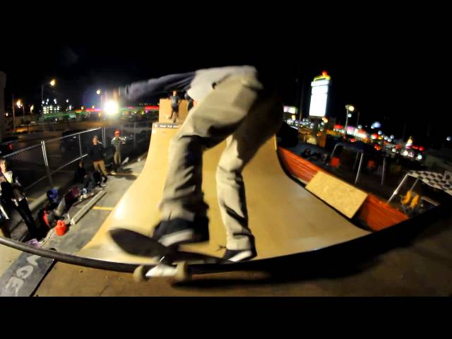 JASON THURTLE AND MORE-BLUE TILE LOUNGE MINI RAMP