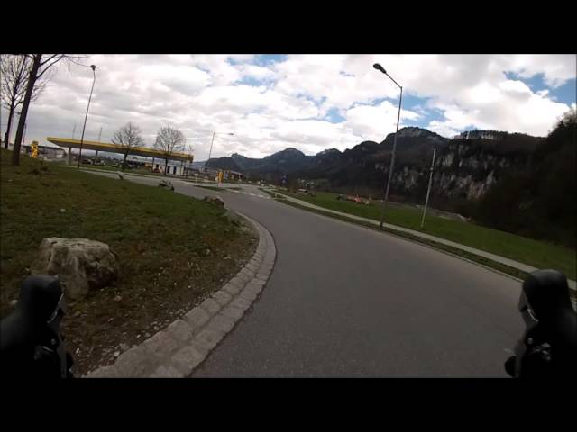 How to cut a traffic circle with a Roadbike !