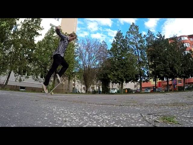 VARIAL KICKFLIP SLOW MOTION 240 FPS