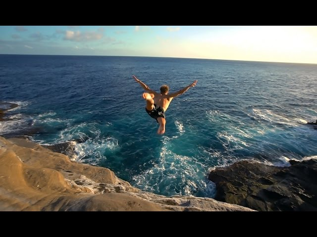 Cliff Jumping Hawaii 2016 - Insane Dives!