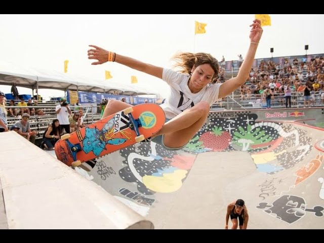 AWESOME SKATEBOARDING GIRLS 2!