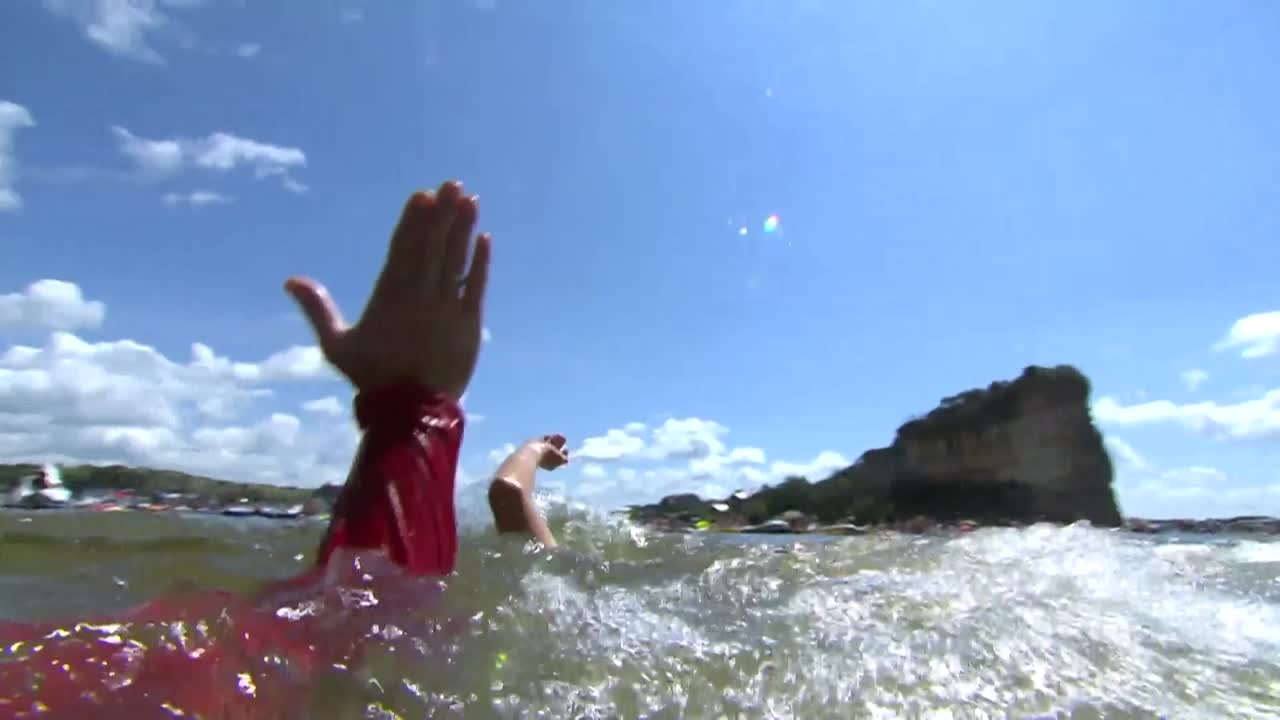 Red Bull Cliff Diving - Winning Dive Woman - Texas