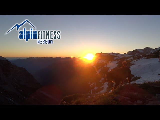 SUNRISE on the CLARIDENHÜTTE SAC 2457m