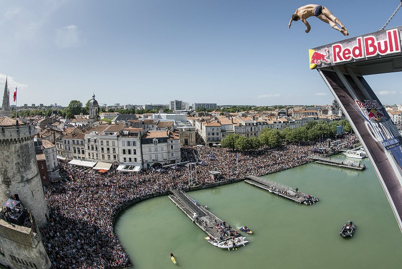 Red Bull Cliff Diving - Teaser - La Rochelle, FRA