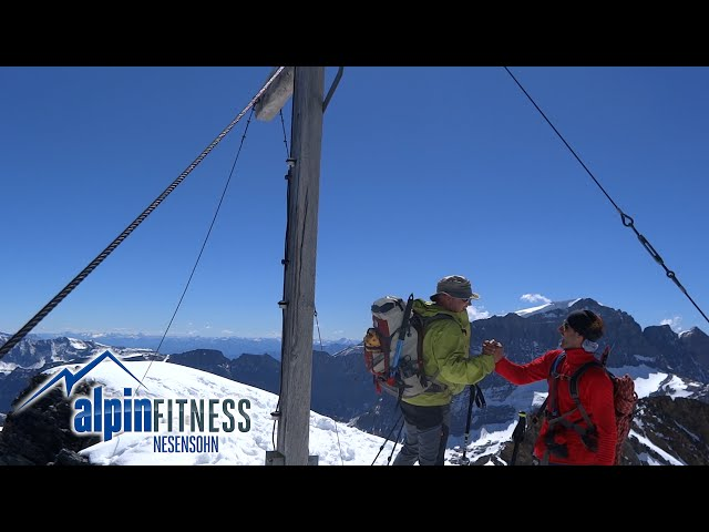ALPINE TOUR CLARIDEN 3267m GLARNER ALPS
