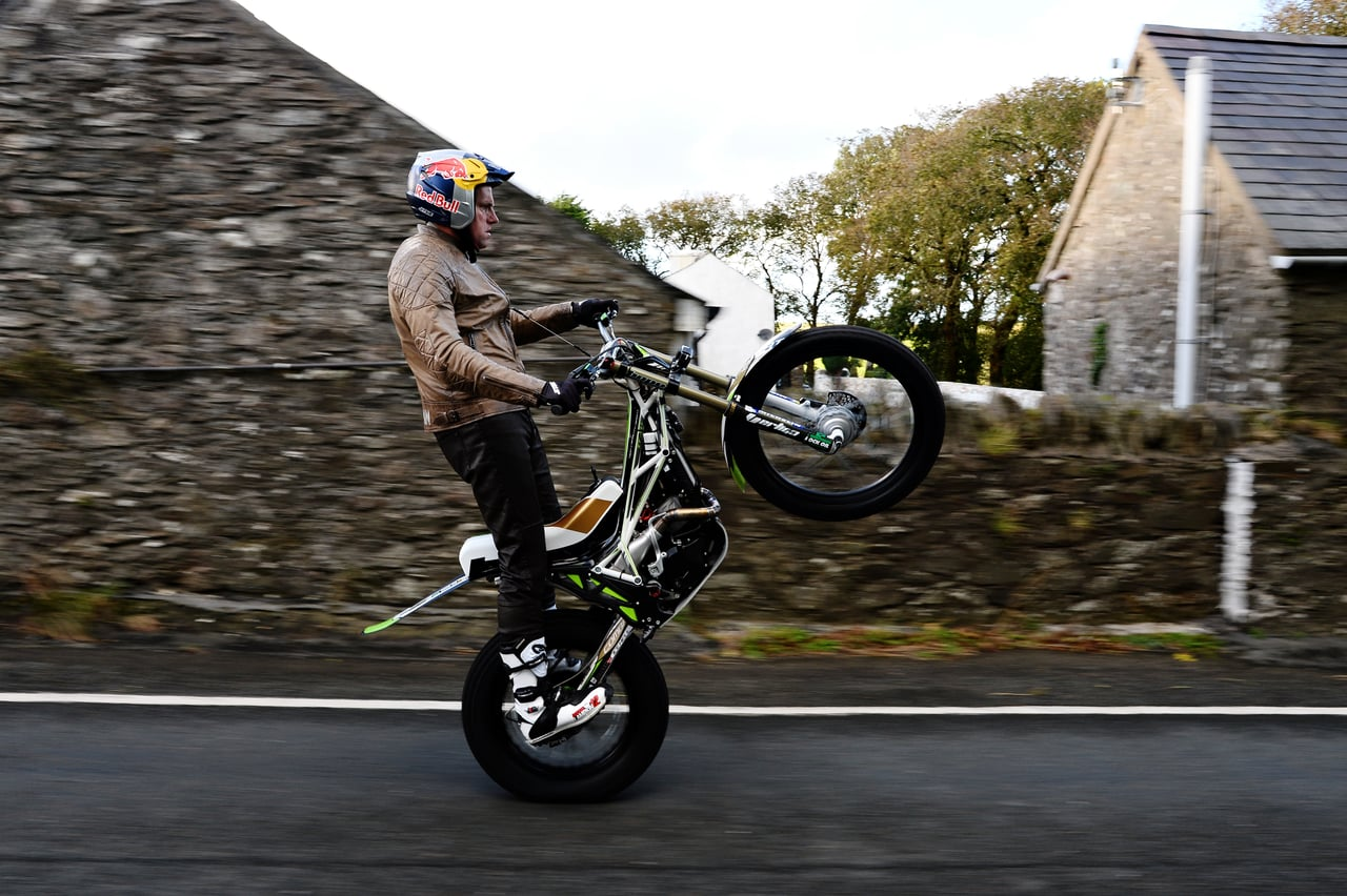Dougie Lampkin Wheelies Entire Isle of Man TT Cour