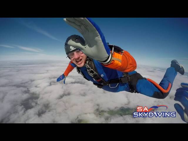 Skydiving instructor manages the impossible!