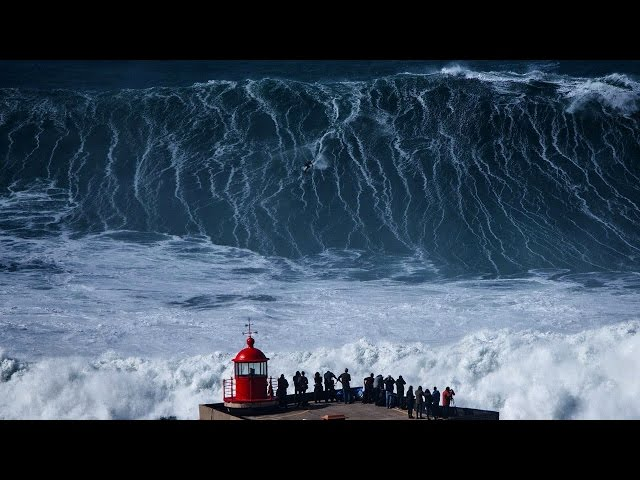 Nazare Mega Sessions