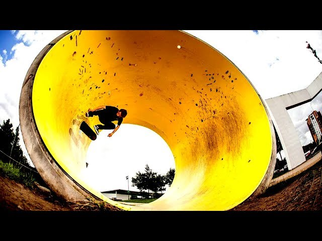 BEST SKATEBOARDING TRICKS 2017 || #23