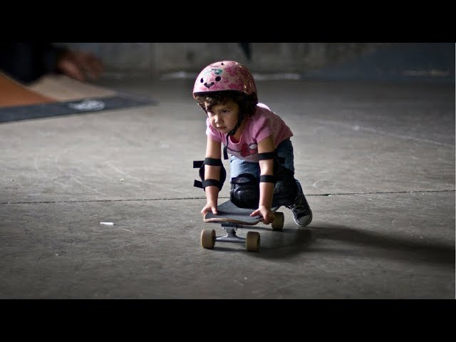 BEST SKATEBOARDING TRICKS OF KIDS 2017! #1
