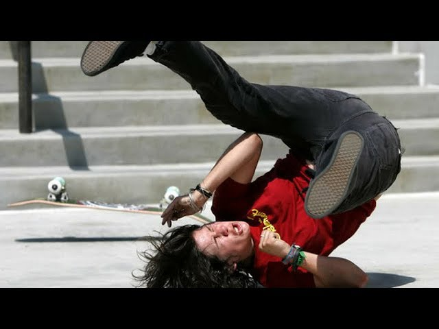BEST SKATEBOARD FAILS 2018! #3