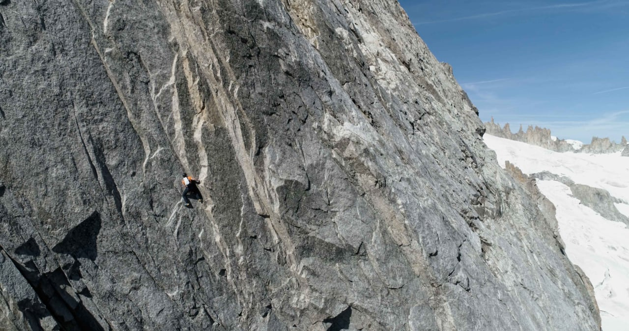 Dani Arnold - Speed Record on the Grandes Jorasses