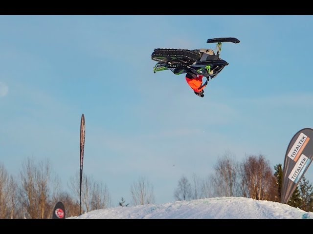 Worlds first barrel roll on sled