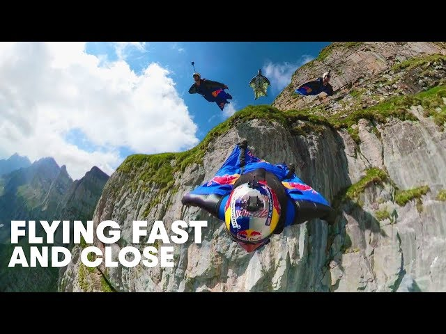 Wingsuit Formation Through The Crack