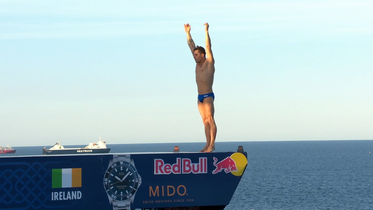 Romanian olympic diver ends dominance of Gary Hunt