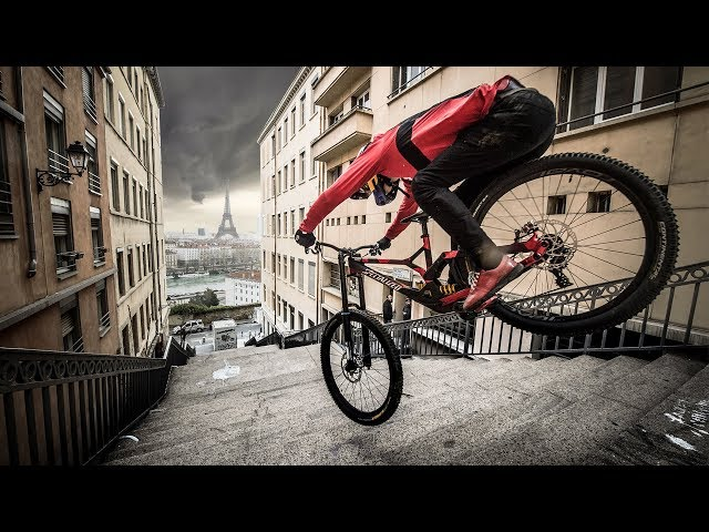 Urban Freeride Lives 3 - Fabio Wibmer