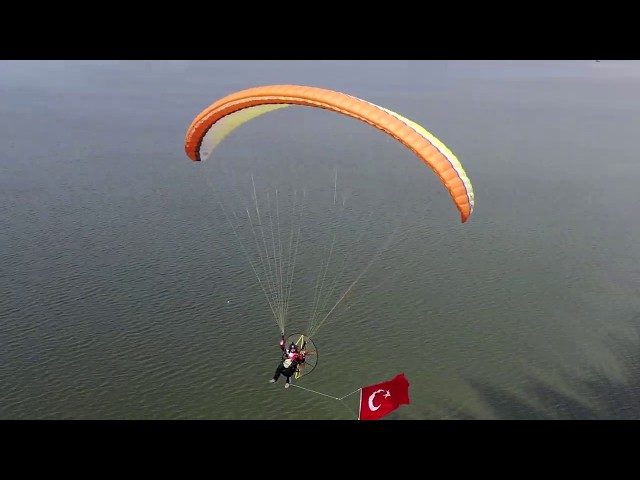Paramotor Fly İzmir-Turkey 19 May Celebration